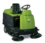 IPC Ride On Sweeper With Battery & Charger 1020 E